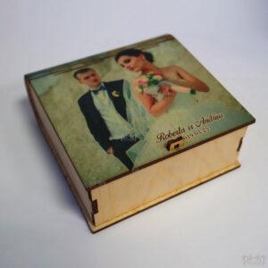 Medinė dėžutė dėlionėms, dėžutė daiktams