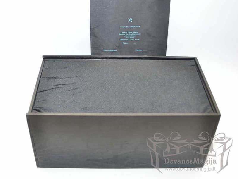 Medinė dėžutė statulėlei su indeklu 37x20xh20cm